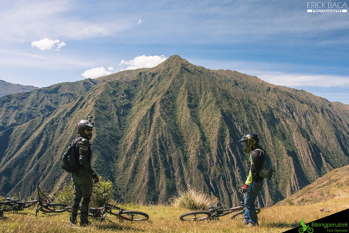 Sacred valley view mountainbike