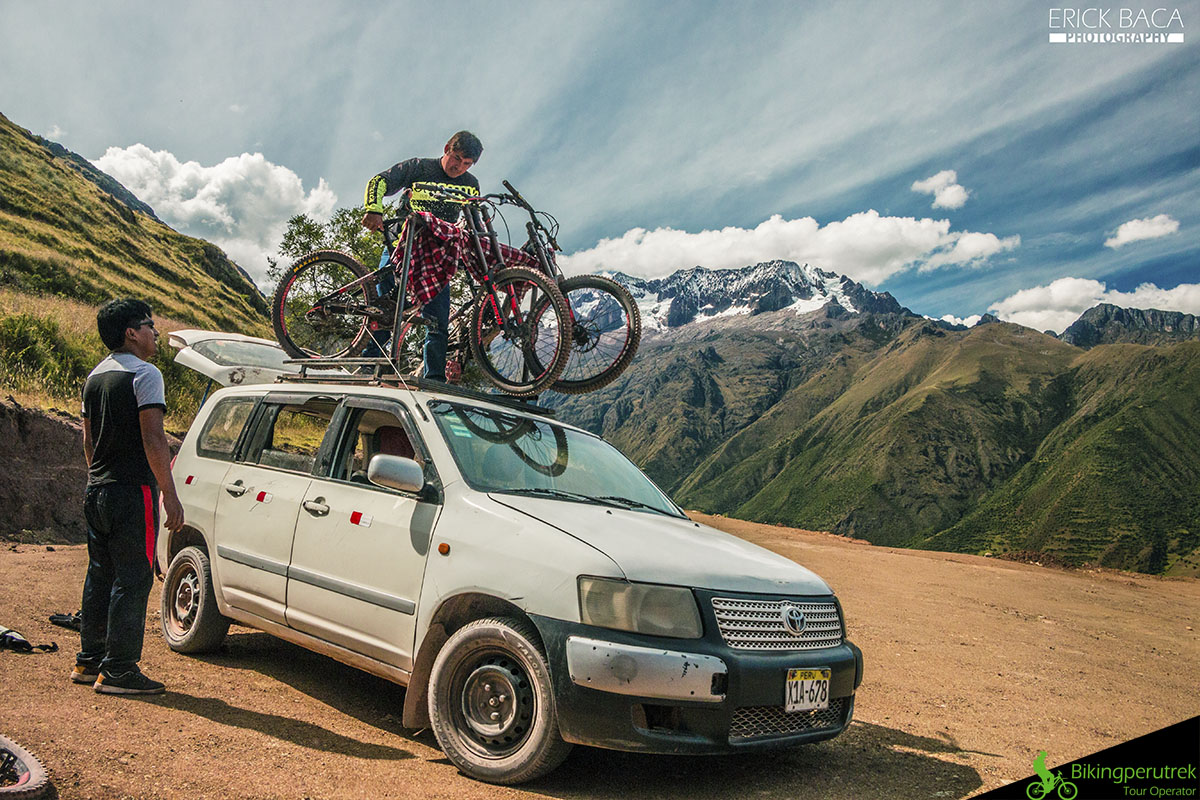 Drop off sacred valley mountain bike tour