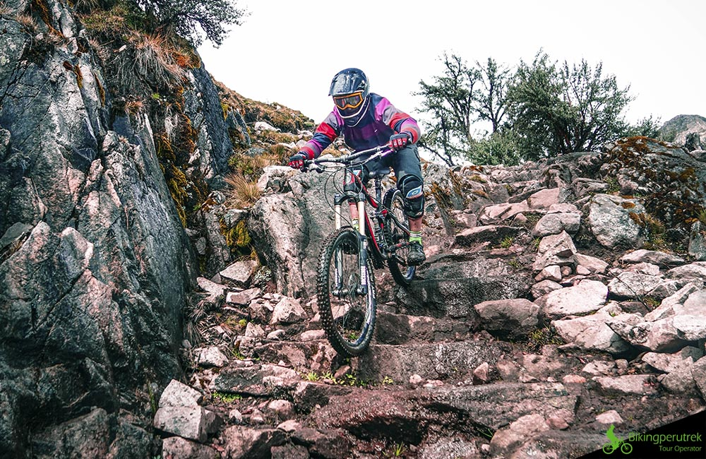 mountain biking Perú HARD LINE