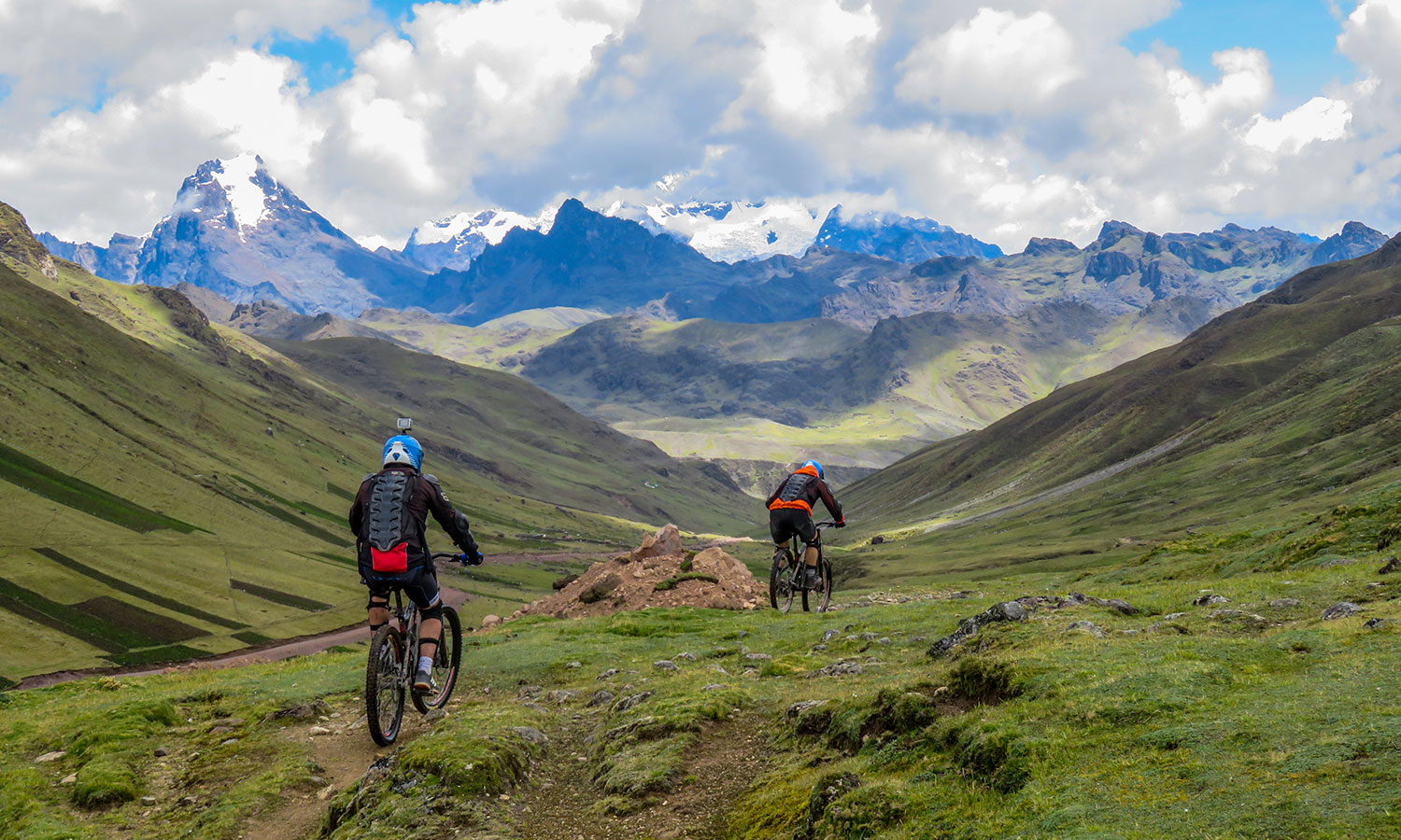 Andes-mountain-biking-peru