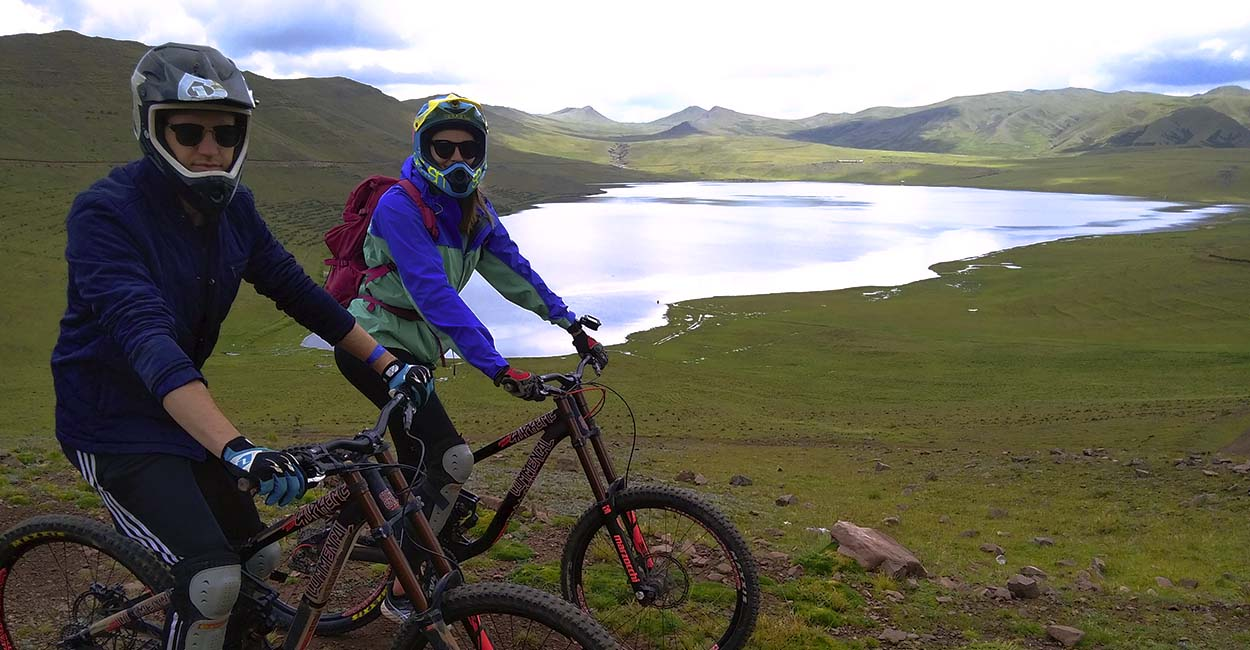 Mountain biking peru Cusco